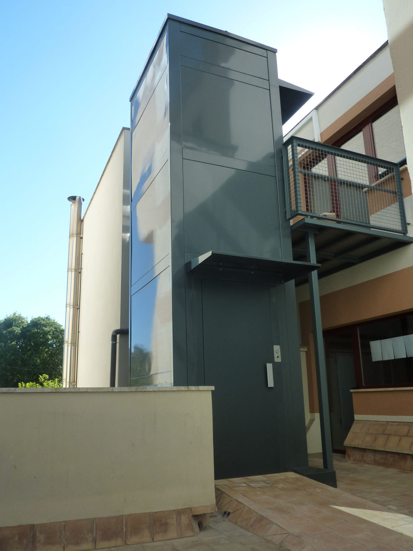 Ascensores en fachadas enier - Fachadas viviendas unifamiliares ...