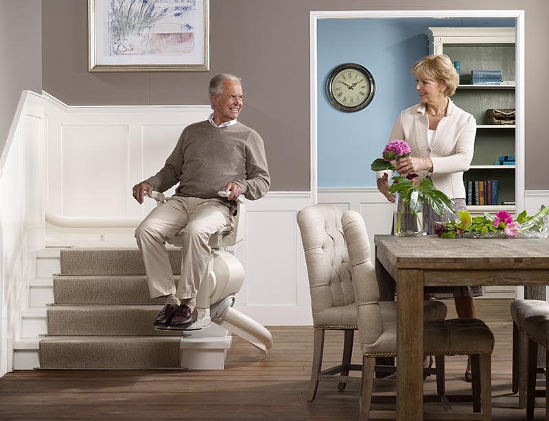Soluciones para que personas mayores puedan subir escaleras